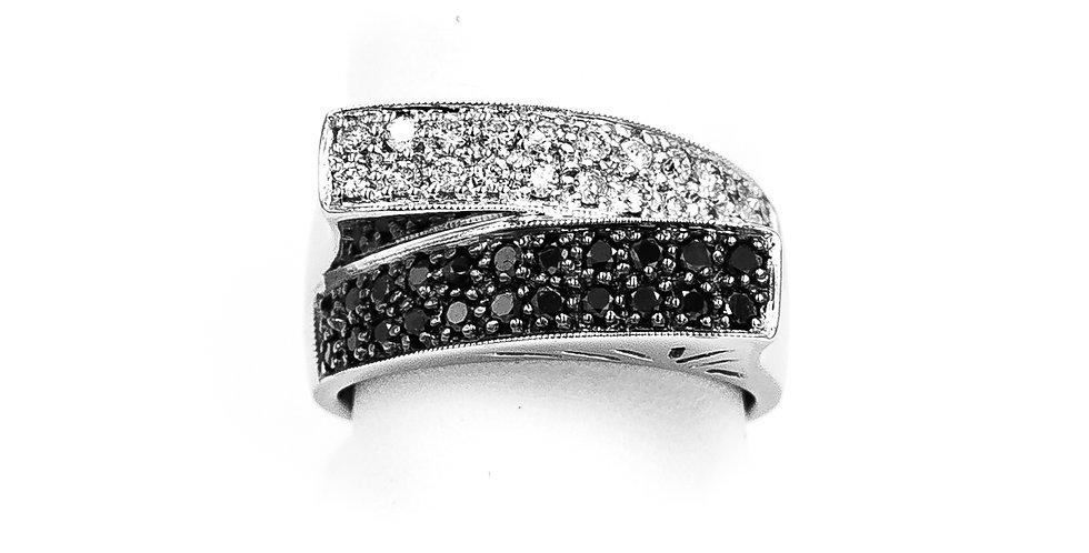 White Gold Twist Full Cut Stones White/Black Diamond Ring