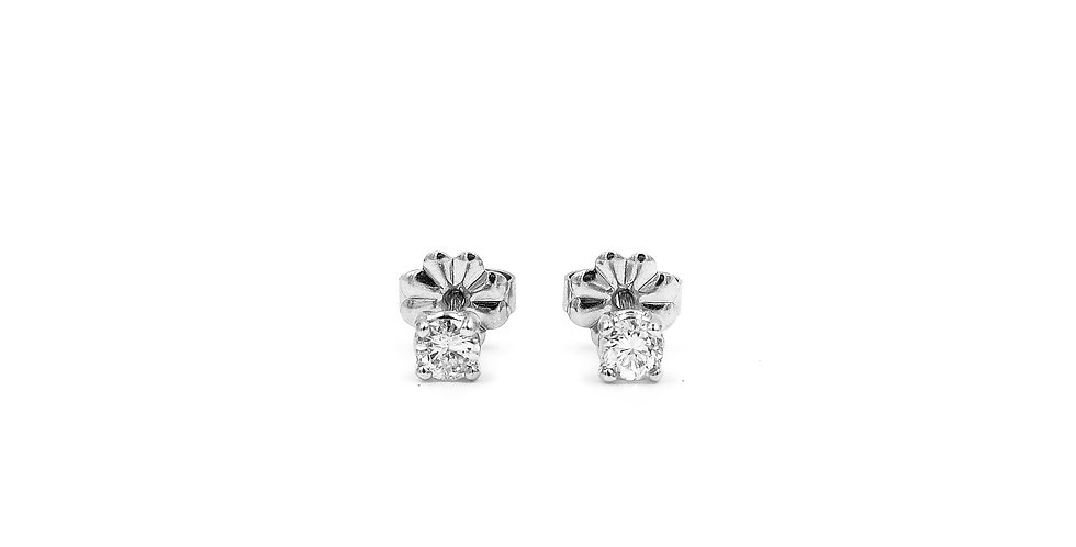 Classic Diamond Basket Setting Studs