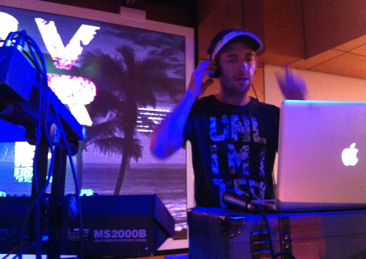 DJ Favorite Son