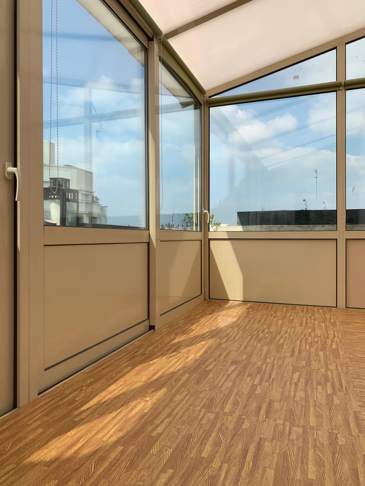 private yoga shala dans le ciel paris. Black Bedroom Furniture Sets. Home Design Ideas