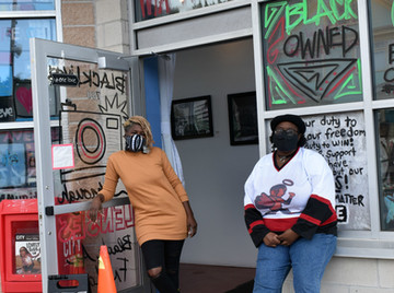 """Black Lives Through Lenses"" Exhibit Brings Rochester's BLM Protests Into Focus"