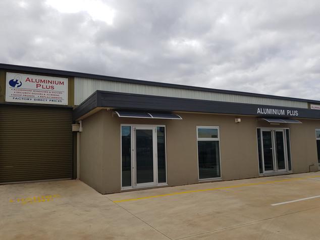 Aluminium Plus shopfront