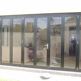 Hawkesbury multi-fold door