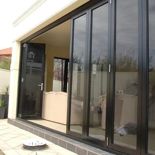 Hawkesbury multi-fold door in Walkerville 005.jpg