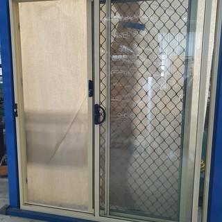 Sliding door in Primrose with diamond grill