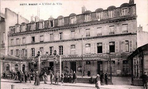 Brest Hotel de ville.jpg