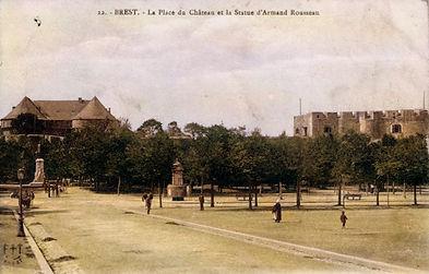 Brest place du chateau et statue Armand