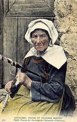 Chateaulin vieille femme.jpg