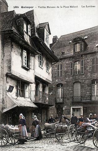 Quimper-Vielles-Maisons-de-la-place-Meda