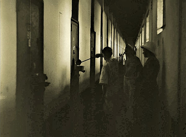 Prisoners in Solitary Cells receiving th