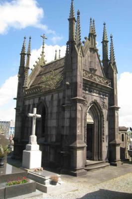 Chapelle Kindelan plouguin patrimoine histoire tailleur pierre granit