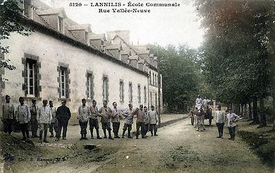 Lannilis école communale.jpg