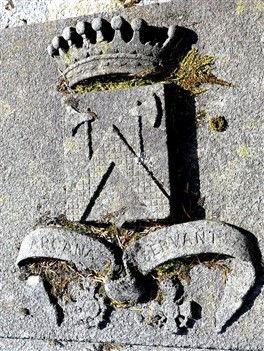 Blason Arcana Servant Halna du Fretay laure vallantin de la motte dragon guerre 14 18 1914 1918 guerre 14 18 1914 1918 patrick milan brest plouguin patrimoine histoire