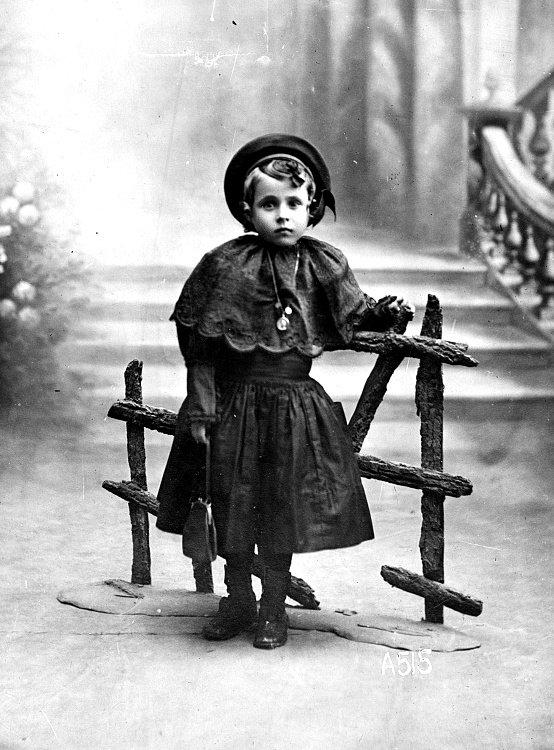 boennec marie pont l'abbé  1914 1918 guerre mondiale finistere adopté orphelin 14 18