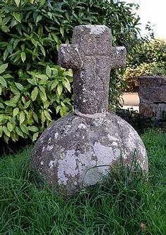 Croix Presbytère Plouguin.webp