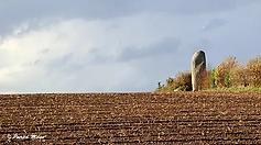 Menhir de Lannoulouarn.webp