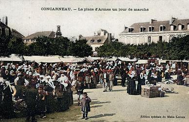 Concarneau Place d'Armes.jpg