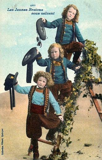 Les jeunes bretons vous saluent.jpg