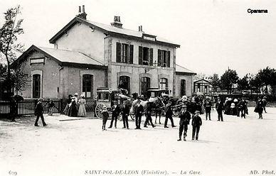 Saint_Pol_de_Léon_la_gare.jpg