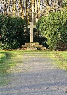 Croix cimetière.webp