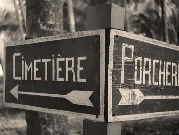 Sign post on Devil's Island.jpg