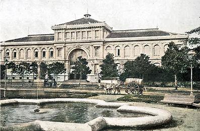Saigon - Hotel des Postes ca 1906.jpg