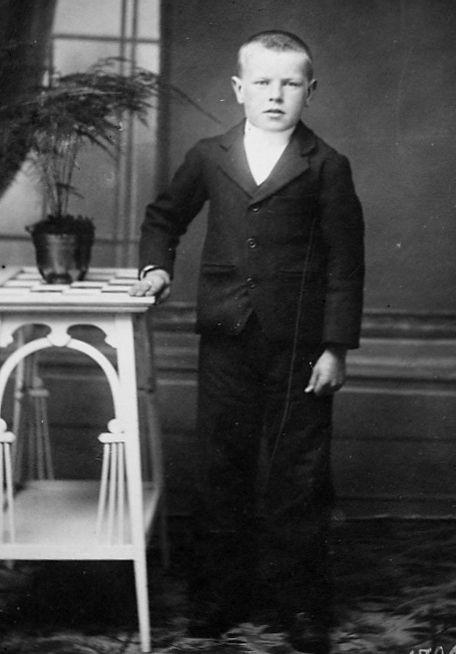 jean louis kerlogot pleyben 1914 1918 guerre mondiale finistere adopté orphelin 14 18