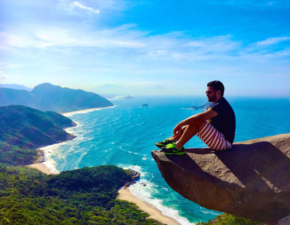 You must-have a photo at Pedra do Teléfrago (Foto via Yelp by Renan S.)