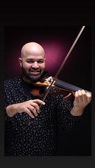 james violonist.jpg
