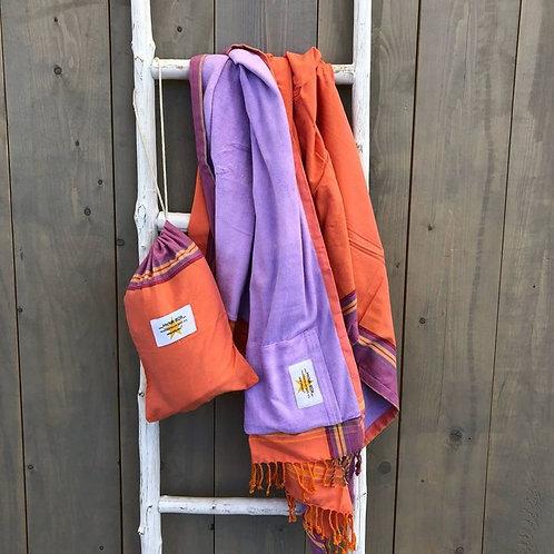 Serviette de plage violette et orange