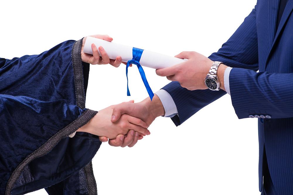 קבלת תואר ראשון במשפטים