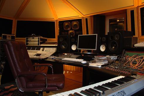 Studio dx orange.JPG