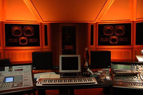 Studio fronte orange.JPG
