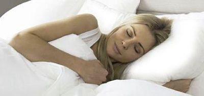 Why It Makes Sense To Sleep On A Silk Pillowcase