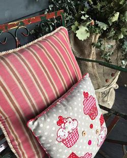 In the pink _macandmorgan!!! #cushions #homefurnishings #fabrics #vintage #macandmorgan #castlemaine