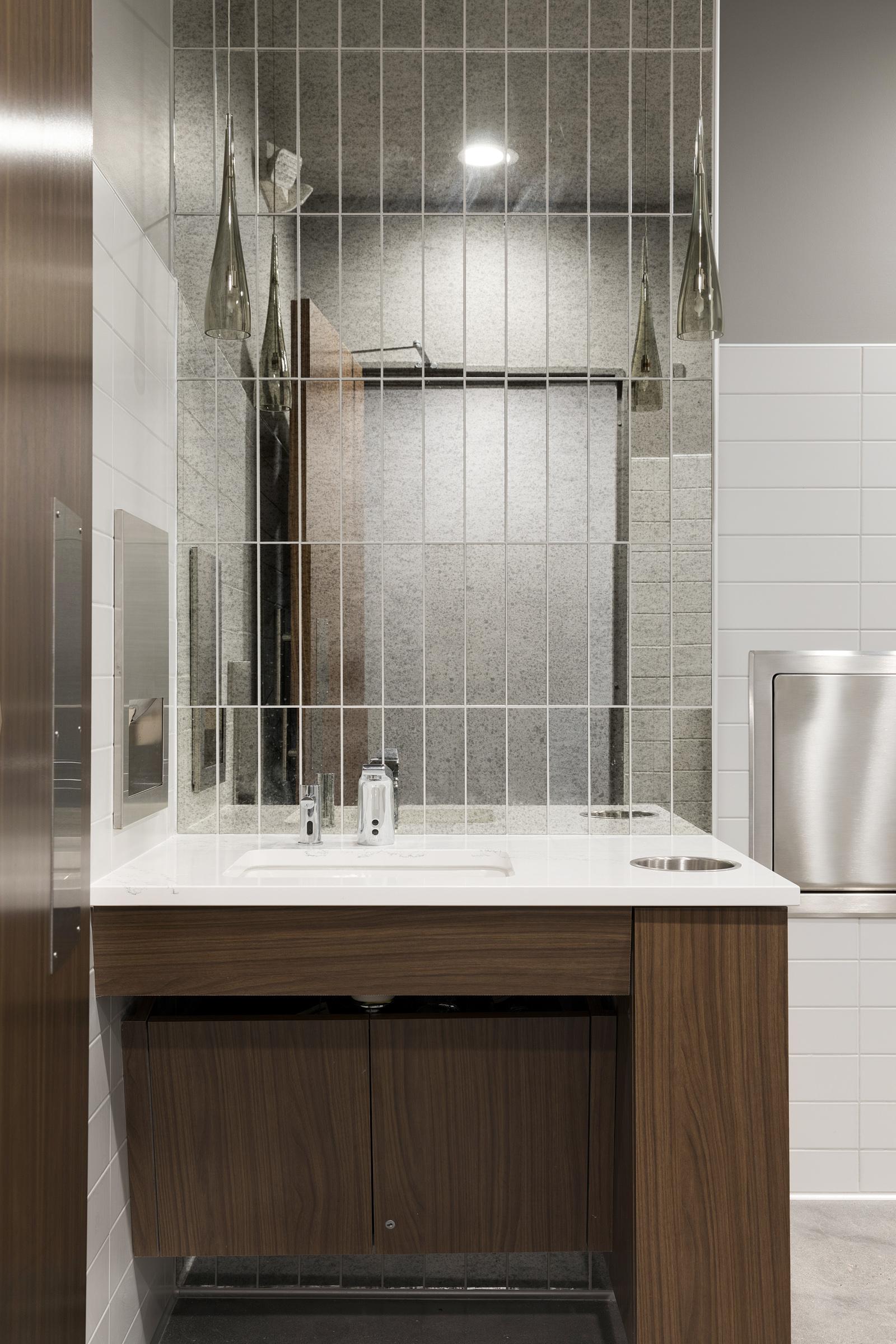 Women's Bathroom Vanity
