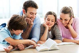 padres-e-hijos-estudian.jpg
