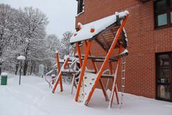 Klettergerüst auf dem Schulhof