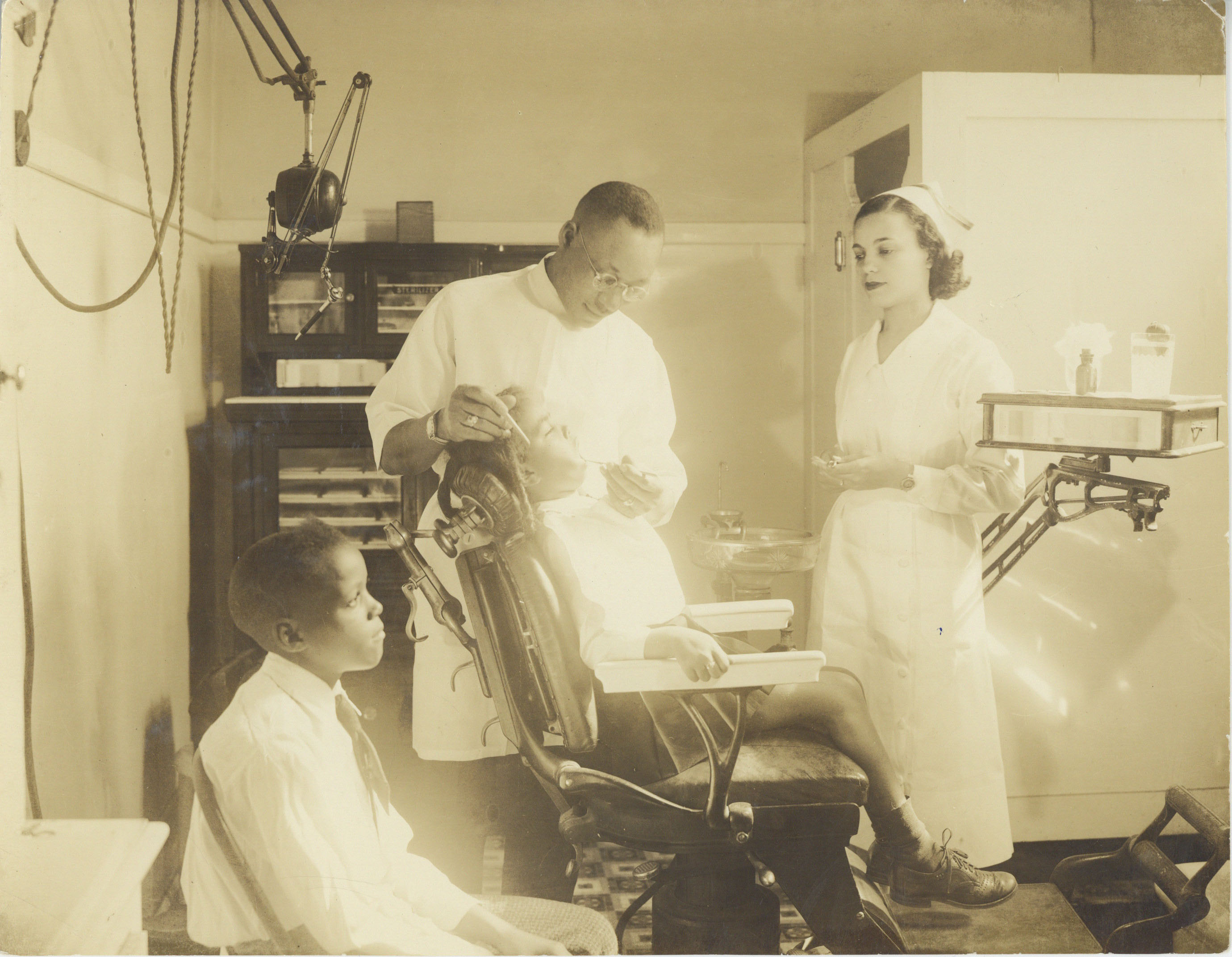 Dental clinic at Valena C. Jones School, circa 1940.