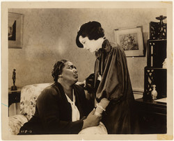Publicity still from the film 'Imitation of Life' with Louise Beavers and Fredi Washington, 1934.