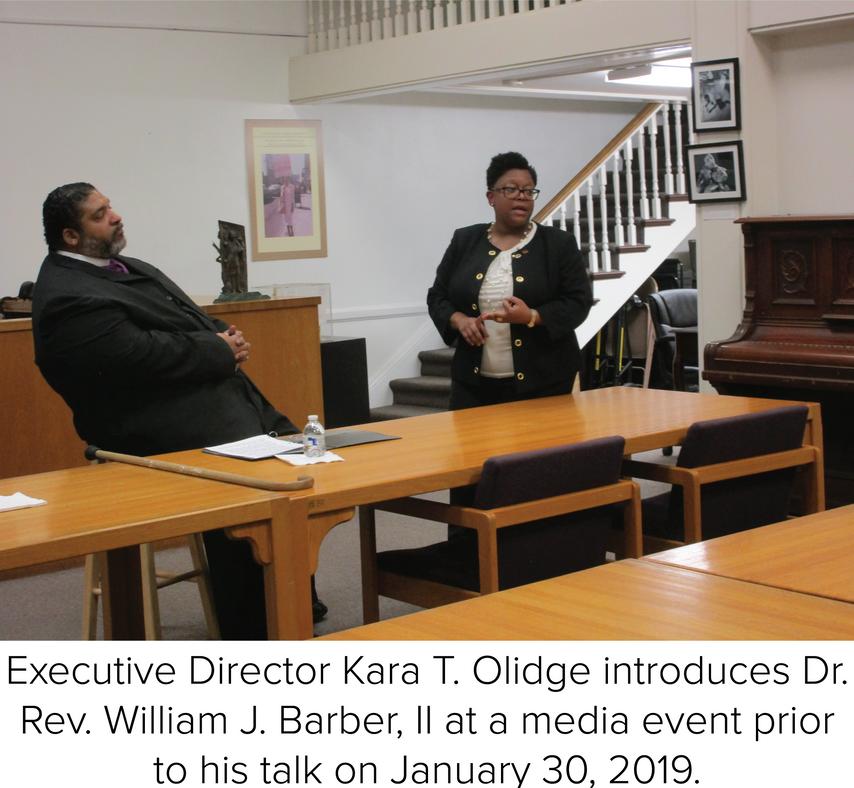 ED-Kara-T.-Olidge-introduces-Dr.-Rev