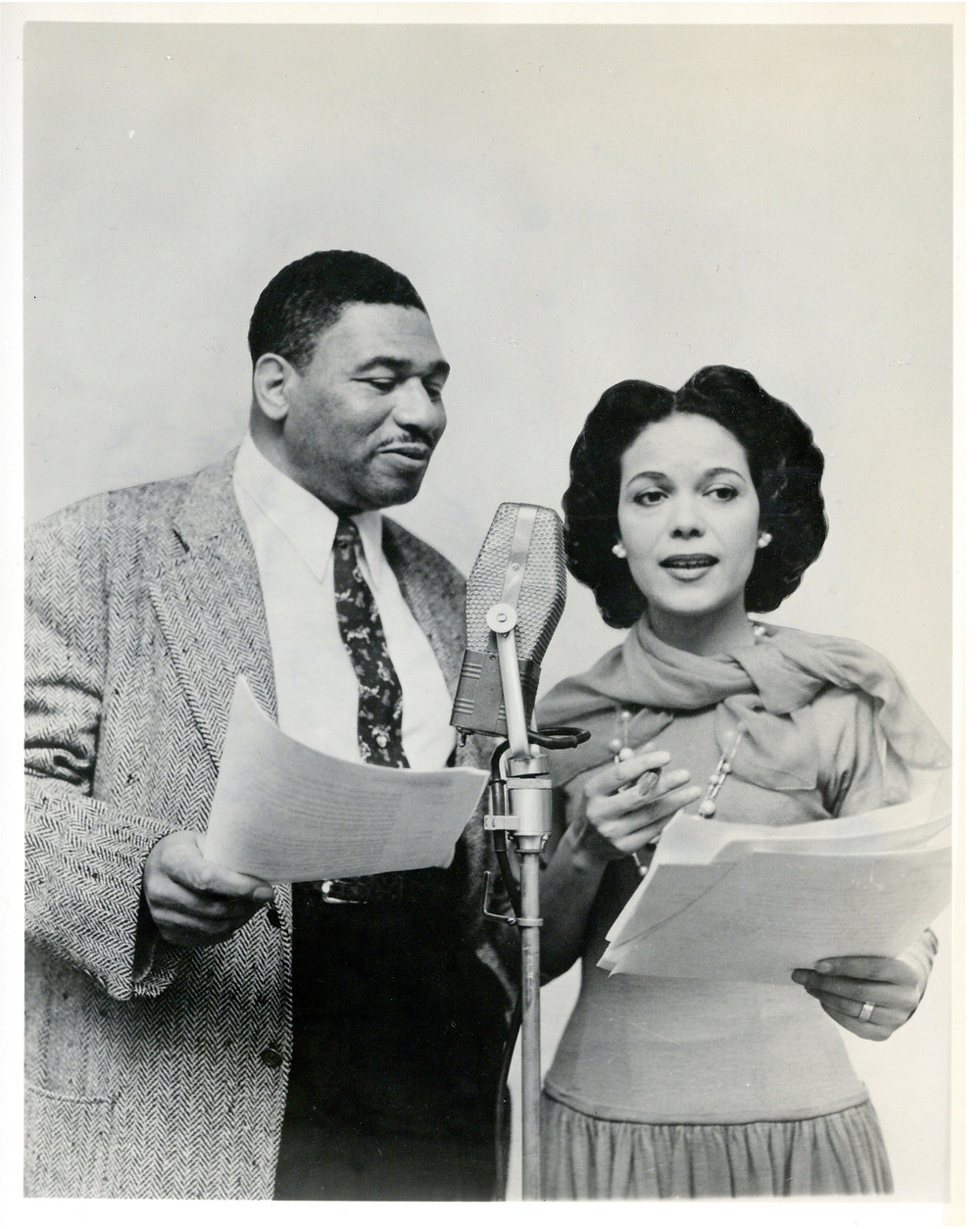 Narrators Frederick O'Neal and Hilda Simms