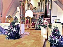 Gaudete_Sunday_sideview_altar