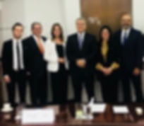 Foto Con presidente de Colombia.jpeg