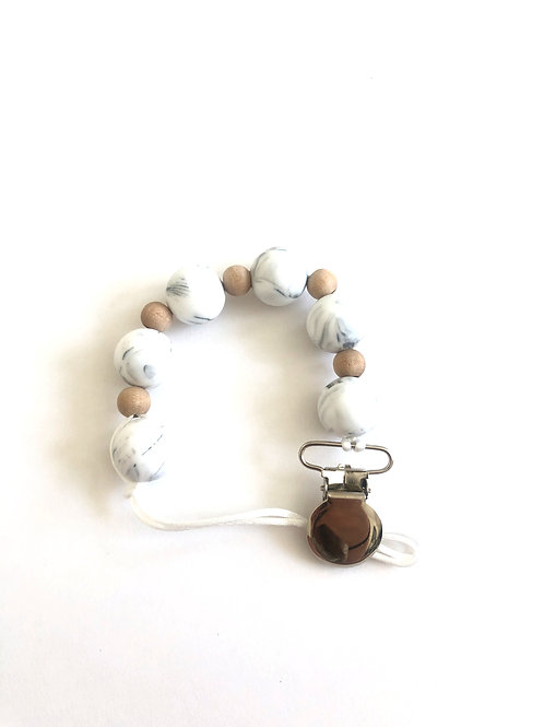 White marble clip