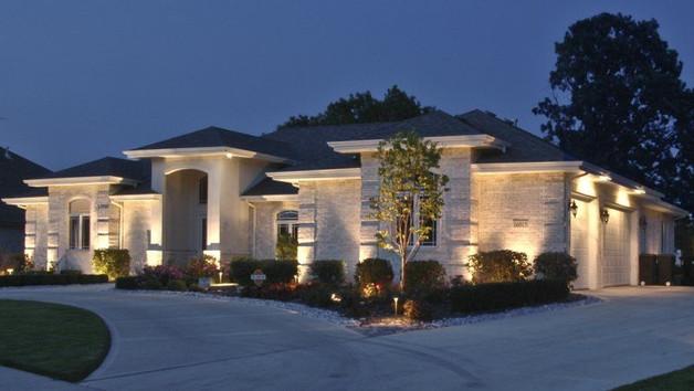modern home exterior lighting.jpg