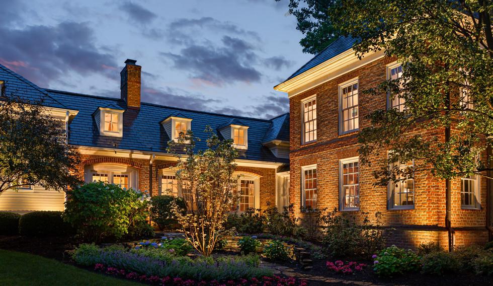 Large estate landscape lighting (3).jpg