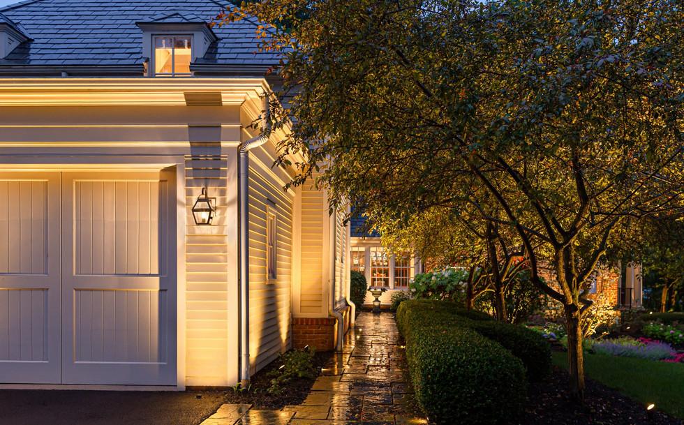 Large estate landscape lighting (2).jpg