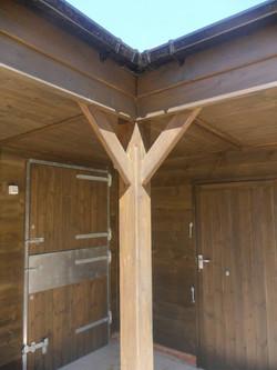 stable oak corner post.jpg