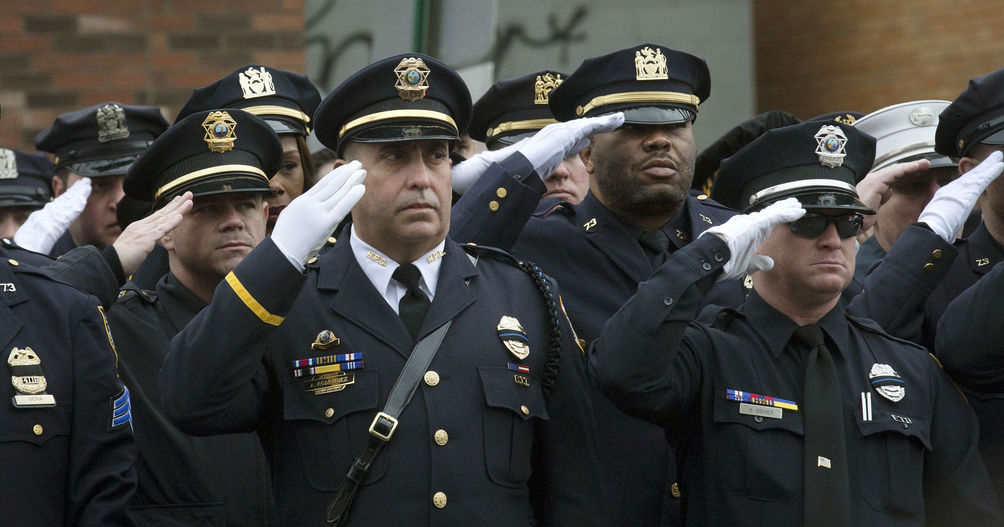 636082391073092388-AP-NYPD-OFFICERS-SHOT